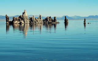 Tufa's in zoutmeer Mono Lake