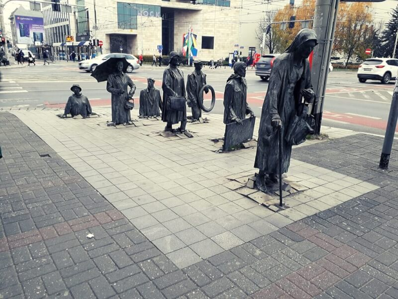 Anonymous Pedestrian beeld
