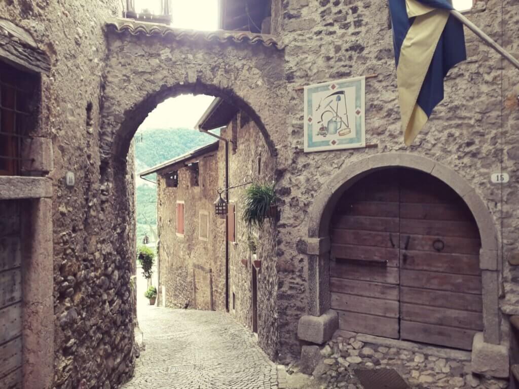 doorkijkje Canale di Tenno nabij Riva