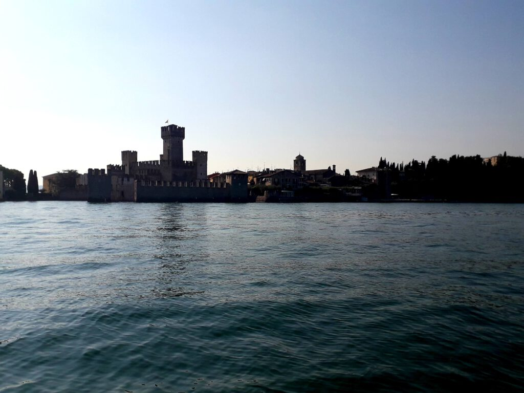 Sirmione Castello Scaligero vaarroute